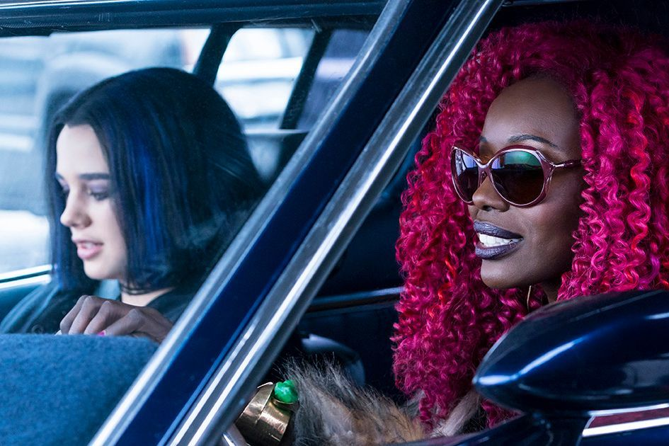 Rachel Roth and Starfire - Titans Episode 3 - Comic Book